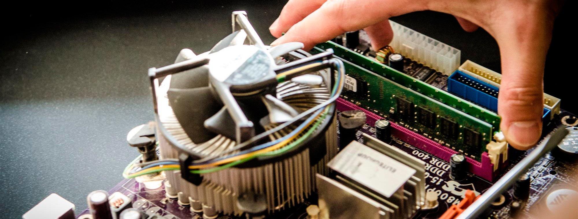 Venta, mantenimiento y reparación de equipos